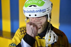 Brobergs Robert Dammbro deppar efter förlusten med 0–3 i matcher i kvartsfinalen mot Hammarby för nästan precis ett år sedan.