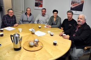 Jan Creutzer, JC Snickeri, Åke Lundvall, Hedemora Inredningar, Ove Lundberg, Tängers Snicerifabrik, Malin Hedlund, Säters Snickerifabrik, Lennart Wikström, Hedemora Inredningar, och Kent Sandgren, Gustafs Scandinavia, är oroade över träindustrins framtid.