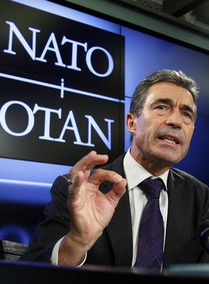 För och emot. Svenskarna är delade i synen på ett samarbete med Nato, (här representerad av dess generalsekreterare Anders Fogh Rasmussen).foto: Scanpix