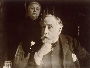 Den impressionistiska målaren Edgar Degas med sin hushållerska Zoe Closier. Foto: AP/TT.