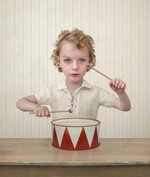 """""""The drummer"""" från 2004 är ett av Loretta Lux mest kända verk."""