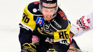 Mathias Bromé i aktion i VIK-tröjan 2015. Foto: Rune Jensen/VLT