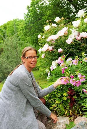 Anette Persson i Torsåker lägger all sin lediga tid på trädgården.