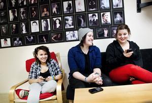 Angelica Vallipuram, Caroline Hadin och Sara Lindecrantz. Förstaårselever på mediaprogrammet, John Bauergymnasiet.