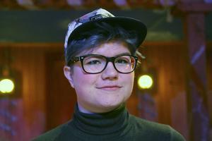 Sofia Rytters är en av ungdomarna i Hälsinge Låtverkstad som i juni framför föreställningen