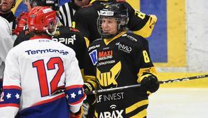 Gustav Lindberg har stor hockey i sig redan som 17-åring. Mot Huddinge skapade hans kedja stor oro i gästernas zon under matchen.