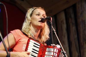 Tina Ahlin med trio gästspelade även med Stefan Sundström.