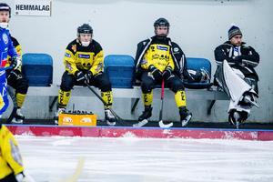Örebrospelarna deppar efter finalförlusten mot Nässjö. Foto: Veronika Ljung Nielsen