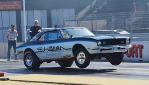 Anders Hållén, Sandarne, körde sin pappas gamla bil. Pappa Sven Hållén, som var en legend i Stock-klassen, avled tidigare i sommar.