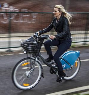 Precis som många andra europeiska städer har Dublin numera gott om lånecyklar och allt fler mil av cykelbanor.