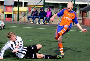 Fredrik Westlund (bilden) och Simon Sigvardsson - två målkungar från division 6 som ska lyfta Bollnäs.