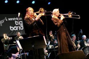 GÄST 4. Mimmi och Karin Hammar är två gäster till bandet som de kommer att samarbeta mer med i framtiden.