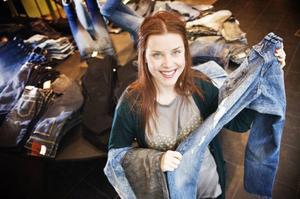 Li Svärd guidar bland vårens bästa jeans.Foto: Kristian Pohl