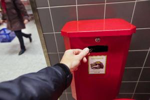 64 Procent av batterierna i Sverige kommer in till återvinning. Nu startar en informationskampanj för att få fler att känna till att materialet i ett batteri kan återanvändas.