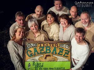 Hela teatersällskapet Gazbazz.