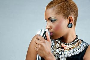 När Alice Zeluji släppte den egna låten Mpita Njia i februari klättrade den snabbt upp på många listor i östra Afrika.