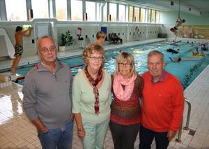 Per-Erik Qvarnström, Ragnhild Lindström, Birgitta Hallén och Ulf Eriksson från Bollstabruks intresseförening kämpar för sin simhall.