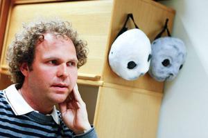 – Det är oerhört spännande att få höra ett eget verk från 2004 uruppföras, berättar kompositören Johan Ederfors, musiklärare i Offrerdal.Henry Åkerlund började själv som körmedlem 1989, nu dirigerar han Octava.