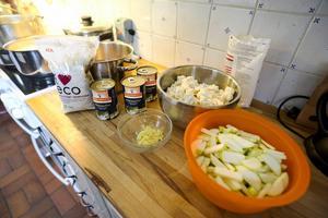 Indisk linsgryta med hembakt bröd. På Gåvans förskola serveras minst en vegetarisk måltid per vecka.