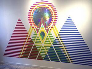 Vandana Jain har skapat en verk direkt på väggen med inspiration från svenska konstellationen