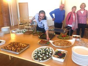 Hazem Aden dukade upp syriska maträtter.