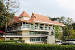 Klostret ligger i Rayongprovinsen i östra Thailand.