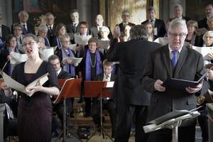 Solistinsatserna från Lars-Gunnar Axelsson och Susanne Francett framkallade rysningar av välbehag.