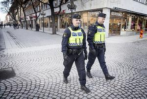 Med anledning av det misstänkta terrordådet i Stockholm ökade polisen i Jämtland på fredagen sin närvaro på Östersunds gator.