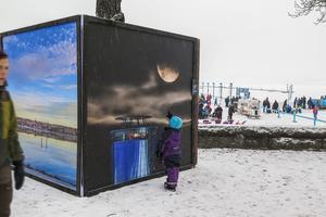 Vintergalleriet inledde med att ställa ut sex bilder av astrofografen Göran Strand från Frösön. Bilderna som är i formatet 2,4 gånger 2,4 meter går att se fram till och med 12 februari.