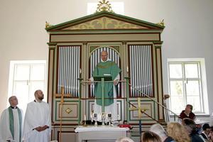 Predikan. Domprost och blivande biskop Johan Dalman predikade inför det fullsatta bönhuset.