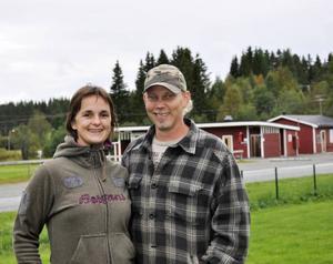 Mirjam och Norbert van Veen köpte campingen vid årsskiftet och vill att den ska kunna fungera både för turister och för lokalbefolkningen.