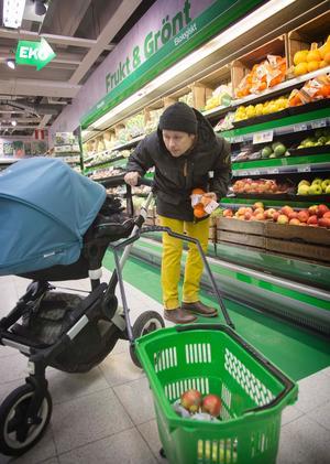 """""""För mig är ekologisk mat viktig eftersom jag har barn som jag vill ska äta så  bra mat som möjligt"""" c2bdbf74bbde2"""