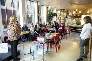 Lovisa Svanström och Ancie Bergendahl på vuxenskolan i Falun respektive Rättvik inspirerade till högläsning.