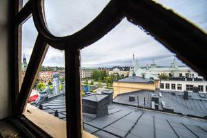 Från lanterninen kan man se det nordöstra lägenhetstornet, där vaktmästare Fredrik