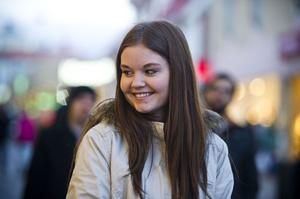 Sofia Sjöström, Husum:– Jag är med min kompis Josefin och vi skrattar och har roligt tillsammans.