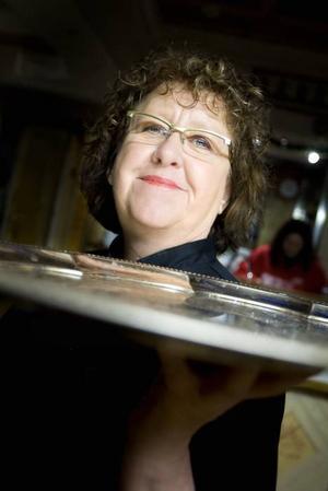 Redo för Nobelfesten. Sissie Öhberg serverar Nobelgästerna för  20:e året i rad och hon räknar med att fortsätta många år framåt.