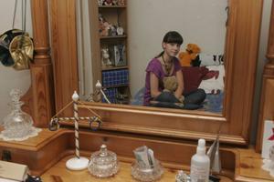 Lena Glebova har ett eget rum hos Nordins i Bergsjö och det kan kännas lite tomt ibland, berättar hon. I Ryssland är hon van att dela tre rum och kök med flera familjemedlemmar.