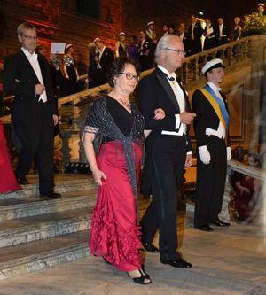 Kung Carl XVI Gustaf och Mira Nikomarow.