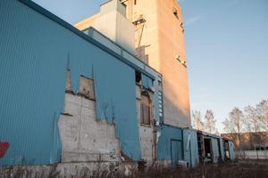 Den gamla maltfabriken på Bromsäng i Stugsund skulle enligt tidigare uppgift rivas under 2019.