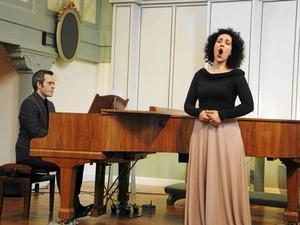 Johan Sandback vid flygeln och mezzosopranen Katerina Roussou fylld missionskyrkan med fin musik och sång.