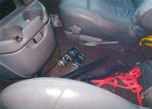 I mannens krockade bil hittades flera ölburkar.