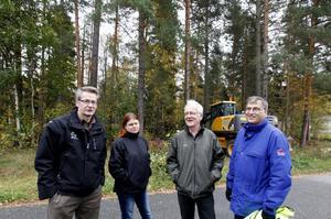 Bengt Jonsved, Gästrike Återvinnare, Malin Degermark, tekniska kontoret, Per-Olof Erickson, Naturskyddsföreningen och Jan-Olof Åsén, tekniska kontoret är beklämda av dumpningarna och vill upplysa Gävleborna att dumpa sitt avfall på sopstationen istället för i skogen.