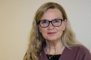 Carina Magnusson tycker att det förslag som lagts med 39 brukare på en personal är orimligt.