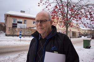 Johann Küberger, handikapporganisationen DHR:s Västmanlandsordförande, ser hur funktionsnedsatta blir diskrimenrade hela tiden.
