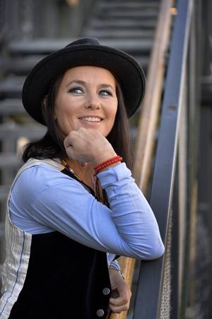 Sophie Zelmani albumdebuterade för snart 20 år sedan. I dagarna kommer nya albumet