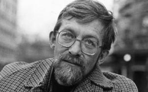 Författaren Lars Gustafsson. Bilden är tagen 1978 då han skrev sin bästa roman, enligt Torsten Rönnerstrand. Foto: REPORTAGEBILD