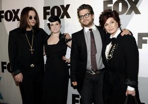 Ozzy och Jack Osbourne medverkar i en ny tv-serie.