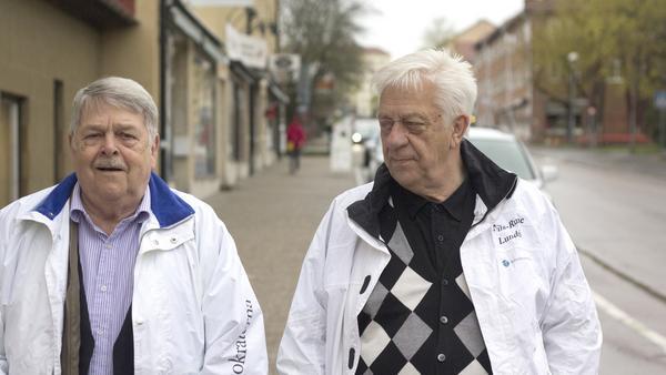 """""""Med fler medlemmar i 40-50-årsåldern kunde                       vi skrivit fler insändare och motioner, och kampanjat mer – med dörrknackning och flygbladsutdelning, säger Nils-Rune Lundén (till höger)."""
