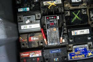 Två månader efter köpet märkte mannen att bilens batteri laddade ur och bytte batteri. Men då även det nya batteriet strulade, upptäckte verkstaden ett fel på bilens dieselvärmare.