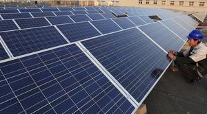 Solenergi. Att bygga ut solenergin är inte bara bra för miljön utan skapar även arbetstillfällen hävdar NALE.foto: scanpix